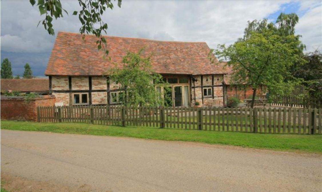 Whites Farm Barn self catering Ledbury