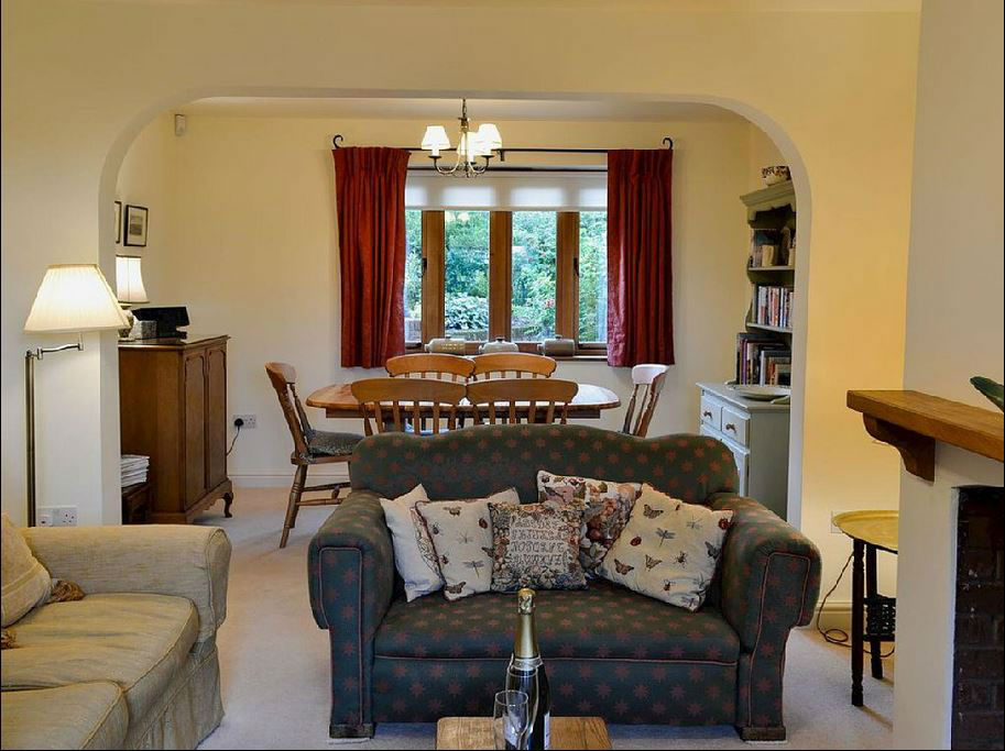 living room at holiday accommodation near Ledbury