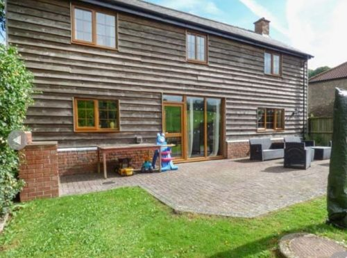 Owl-barn-holiday-accommodation-near-ledbury
