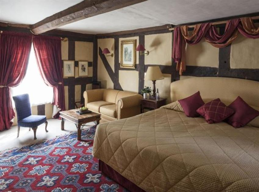 Double room at luxury hotel in Ledbury