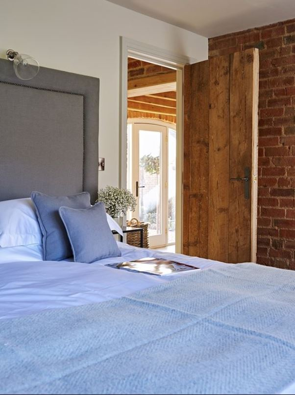 Ground floor bedroom at luxury holiday home Ledbury