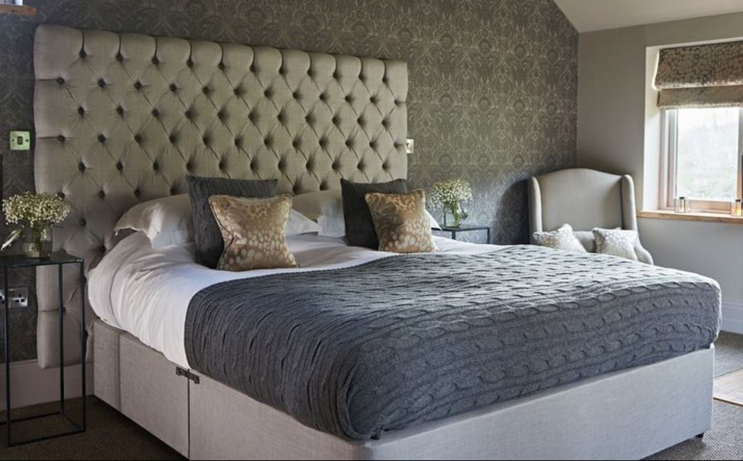 King size bed at luxury self catering Ledbury