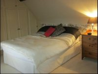 Double room at thatched bed and breakfast near Ledbury