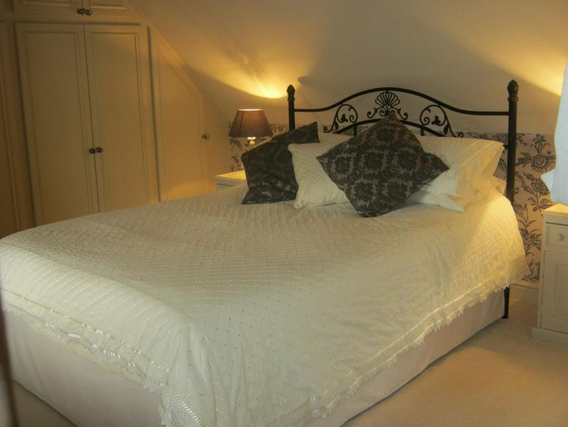 Double room at Ledbury B&B