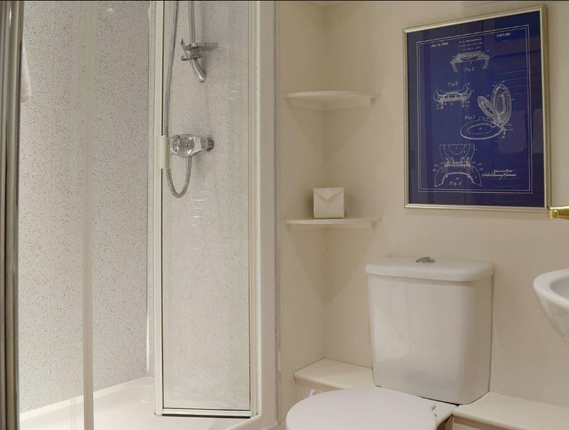 Shower room at Ledbury self catering